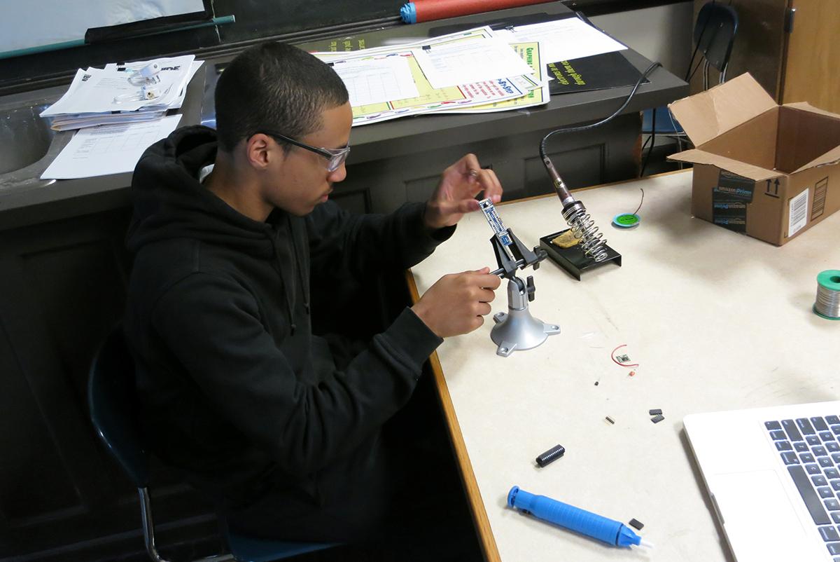M_soldering2