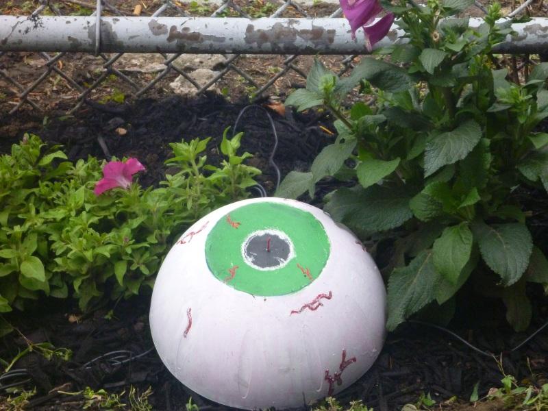 SLA_eyeball_garden